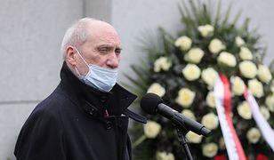 """Podkomisja Macierewicza przedstawiła wyniki prac. """"Musiało dojść do eksplozji"""""""