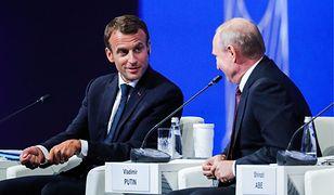 Macron i Putin w Petersburgu