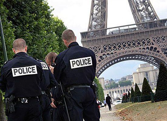Alarm w Paryżu - poszukują kobiety-terrorystki