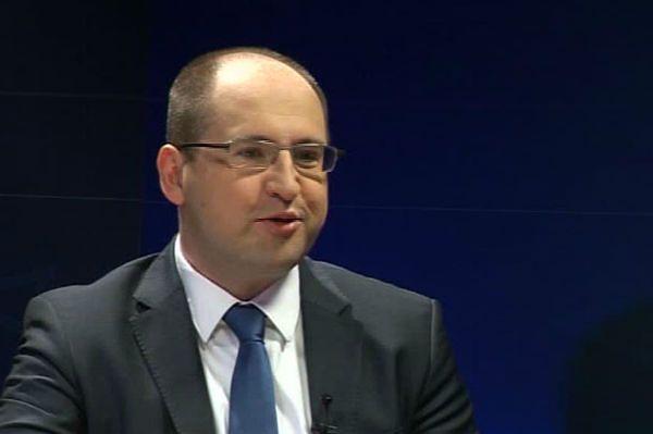 Adam Bielan: już w lipcu rozmawiano o Gowinie w roli szefa MON