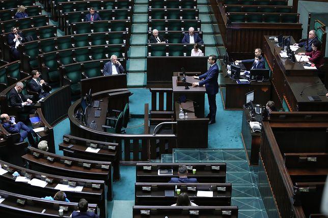 Koronawirus w Polsce. Obrady Sejmu ws. tarczy antykryzysowej. Relacja na żywo