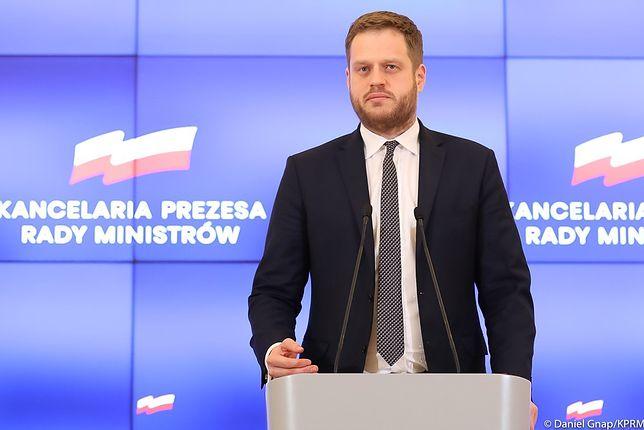 Janusz Cieszyński, odpowiedzialny za zakup respiratorów, wrócił do rządu