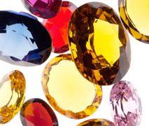 Luksusowa pielęgnacja: kamienie szlachetne w kosmetykach