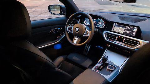 BMW 330e xDrive Touring: Hybryda plug-in oraz liczne systemy wsparcia