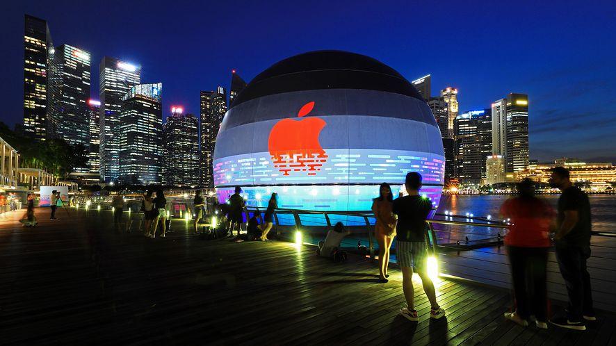 Salon Apple Store w Singapurze, fot. Getty Images
