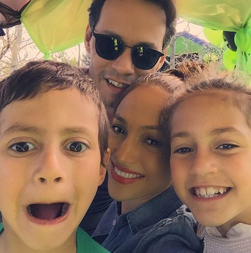JLo z mężem i bliźniakami