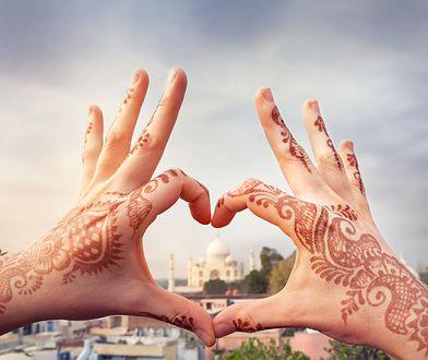 Tatuaż koronka - zmysłowe inspiracje na koronkowy tatuaż