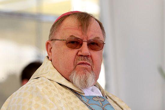 Biskup: Kościół rzekomo pazerny? Nie sięgamy po cudze