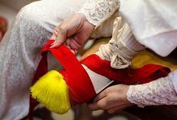 """""""Milionerzy"""". W którym z krajów praktykowano krepowanie stóp kobietom, co miało im zapewnić dobre zamążpójście?"""