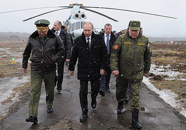 Putin osobiście nadzorował ćwiczenia wojsk - zdjęcia