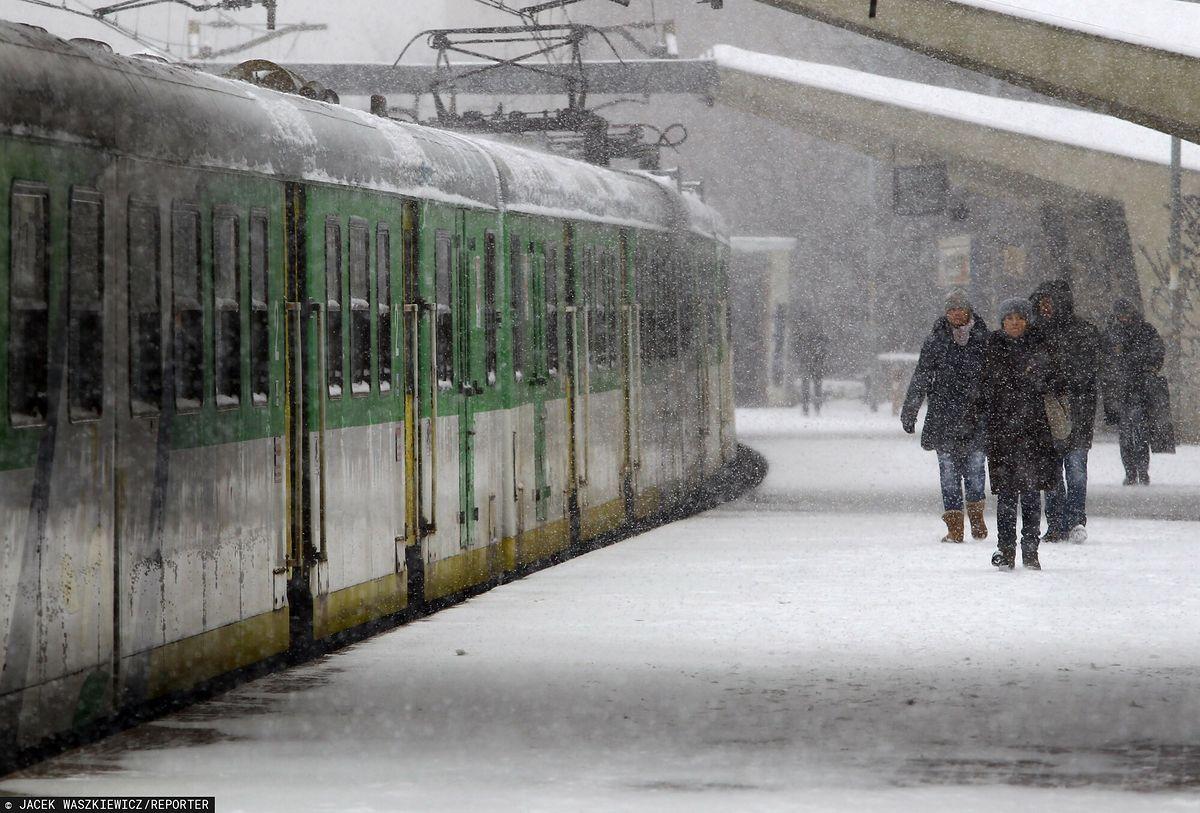 Opóźnienia pociągów to efekt zamieci śnieżnych przechodzących nad Polską