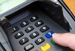 Masz kartę MasterCard? Jeździj autobusem i koleją za półdarmo