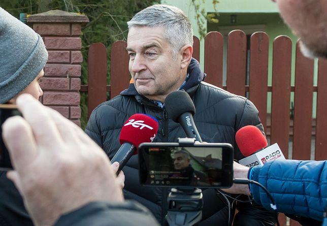 Frasyniuk przed swoim domem we Wrocławiu