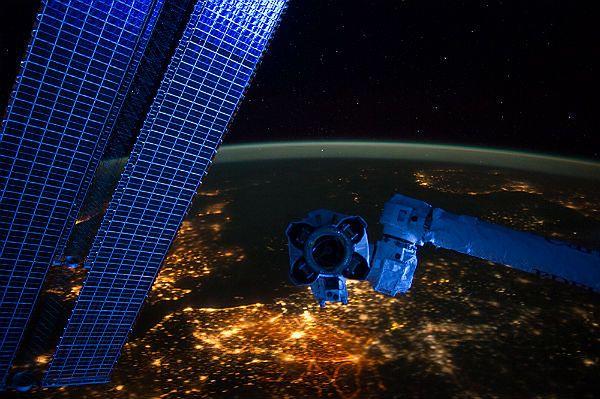 Historyczny lot prywatnego statku kosmicznego znowu przełożony