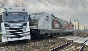 Czechowice-Dziedzice. Zderzenie tira z lokomotywą. Trasa zablokowana na wiele godzin