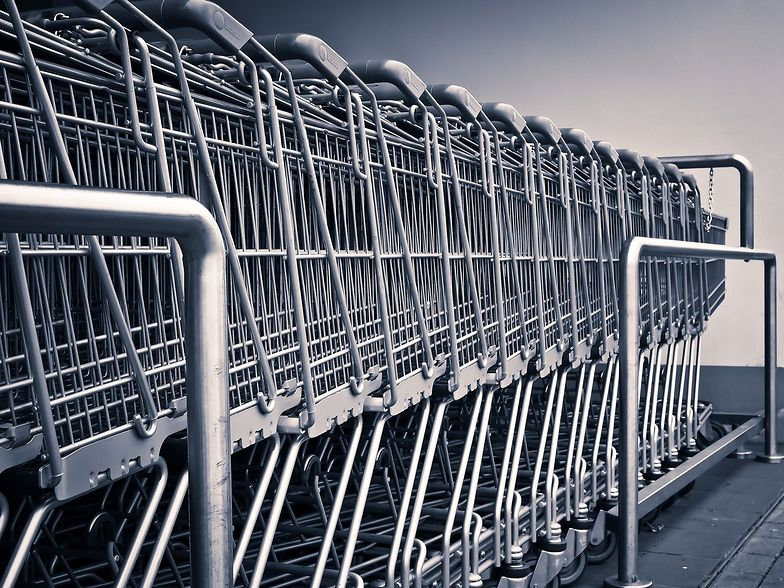 Koronawirus w Polsce. Od poniedziałku obowiązują nowe zasady w sklepach