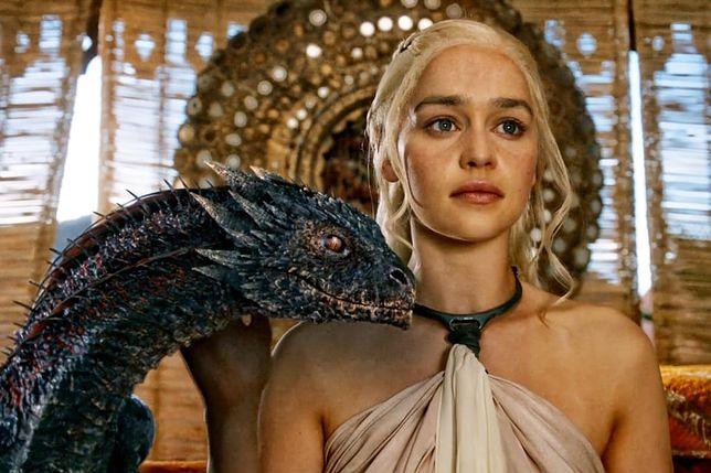 """Po premierze """"Gry o tron"""" rodzice w USA zaczęli nadawać swoim córeczkom imię Khaleesi"""