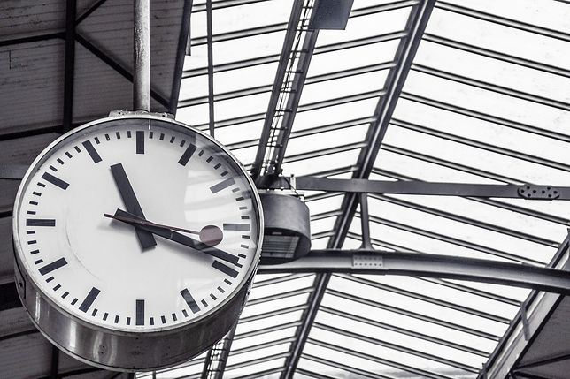 Zmiana czasu 2020 na kolei