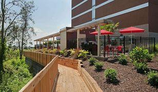 Sieć hoteli Hilton rozważa wprowadzenie podobnej inicjatywy także w kilku innych obiektach
