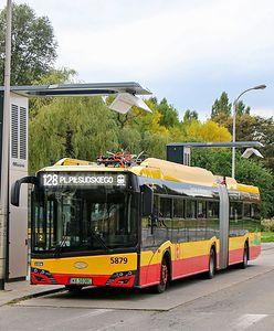 Warszawa. Paraliż Chomiczówki. Autobusy elektryczne blokują ulice