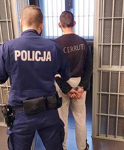 Warszawa. Poszukiwany przez prokuratury, sądy i policję. Wpadł z butelką alkoholu