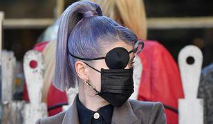 Kelly Osbourne z opaską na oku. Uszkodziła gałkę oczną podczas robienia makijażu