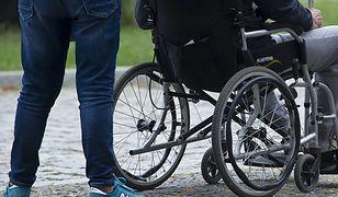 """Opiekunowie osób niepełnosprawnych bezradni. """"W dostępie do szczepień pominięto nas, najsłabszą grupę społeczną"""""""