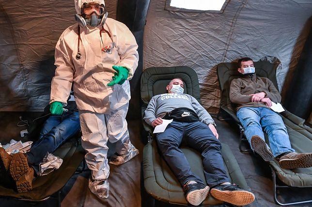 Koronawirus w Polsce. To firma radnego PiS zaopatrzy szpitale w maseczki