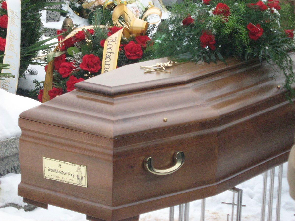 Zasiłek pogrzebowy pójdzie w górę? Ministerstwo analizuje możliwość waloryzacji tego świadczenia