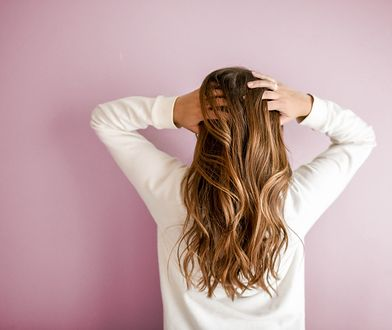 Jak zadbać o włosy po zimie?