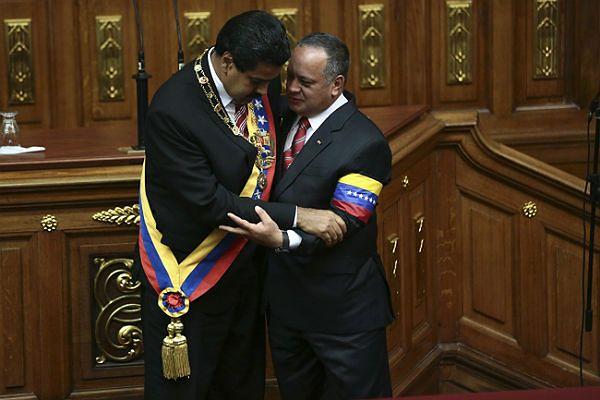 Maduro zaprzysiężony jako tymczasowy prezydent Wenezueli