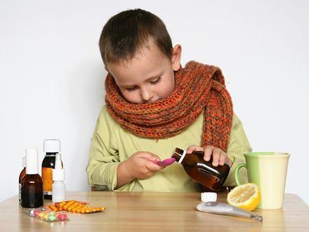 Rodzice wydają majątek na suplementy - niepotrzebnie!