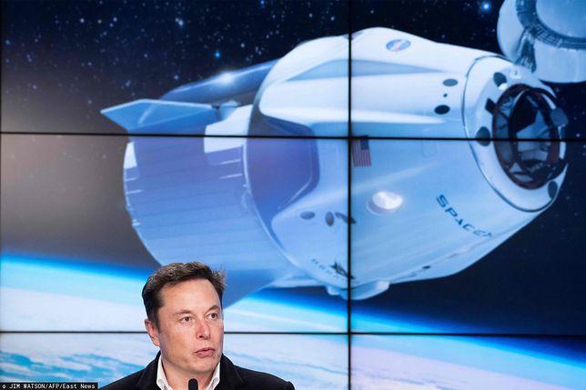 Elon Musk rekrutuje do SpaceX.