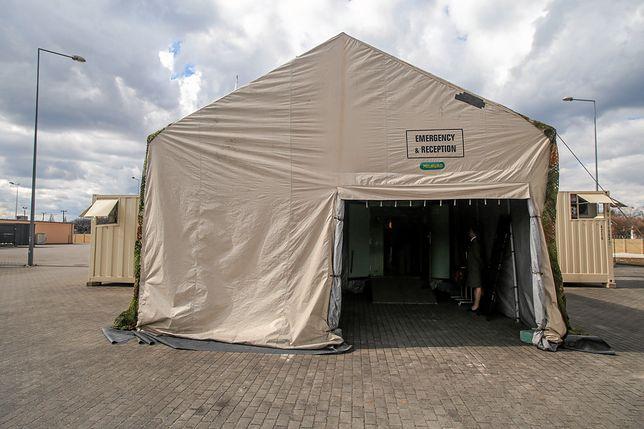 Koronawirus w Polsce. Jest coraz więcej nowych przypadków. Nz. Wojskowy Szpital Polowy w Bydgoszczy