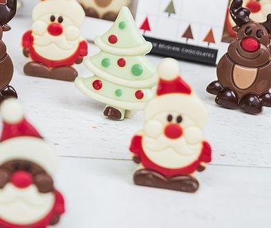Czekoladowe figurki mogą być świąteczną dekoracją lub słodkim upominkiem