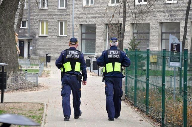 Koronawirus w Warszawie. Straż miejska dba o mieszkańców stolicy