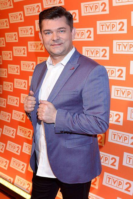 Wykonawca disco polo, Zenek Martyniuk, wśród gwiazd Sylwestra z TVP2. Jacek Kurski jest jego wielkim fanem!