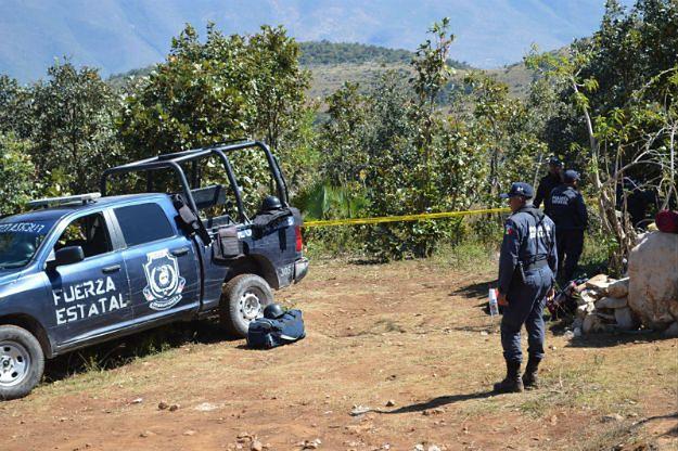 Meksyk: w masowych grobach znaleziono 9 głów i szczątki 32 osób
