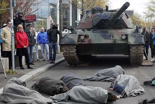 Protest przeciwko koncernowi Rheinmetall AG w Berlinie