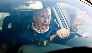 Jak radzić sobie z agresją na drodze?