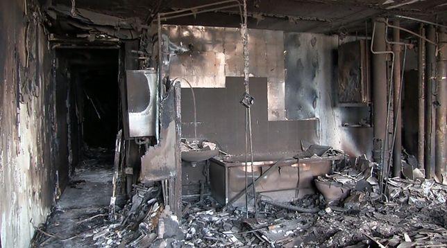 Tragiczny bilans pożaru wieżowca w Londynie. Są zdjęcia z wnętrza