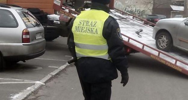 Strażnicy miejscy z Poznania podejrzani o branie łapówek