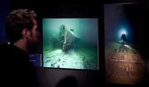 Zdjęcia wraku Wilhelma Gustloffa prezentowane na wystawie w niemieckiej Lubece