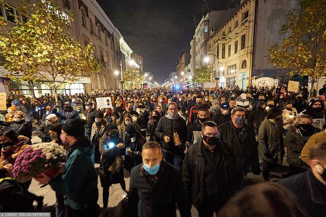 Strajk Kobiet trwa już ponad tydzień. Na ulice polskich miast wyszły setki tysięcy protestujących (na zdjęciu Łódź)