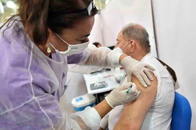 Szczepienia przeciw COVID-19. Ponad milion zaszczepionych
