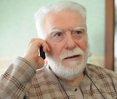 Mężczyzna nie spodziewał się takiej reakcji na swój telefon (zdjęcie ilustracyjne)