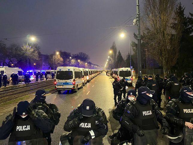 Strajk Kobiet w Warszawie. Policja ochrania dom prezesa PiS Jarosława Kaczyńskiego