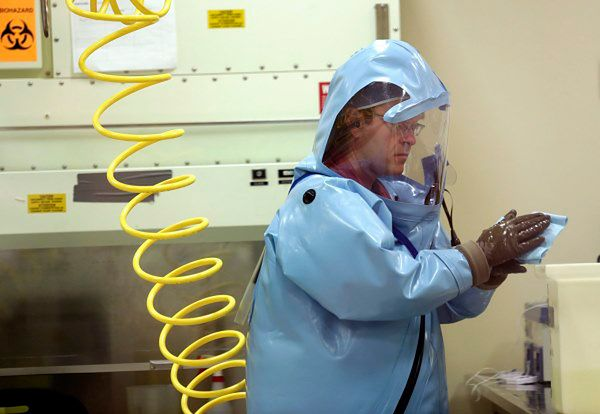 Lekarz ze Sierra Leone z ebolą przyleciał na leczenie do USA