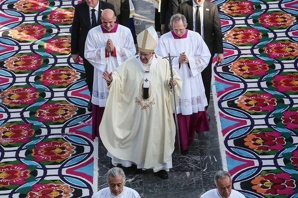 Papież odprawił mszę w sanktuarium Matki Bożej z Guadalupe