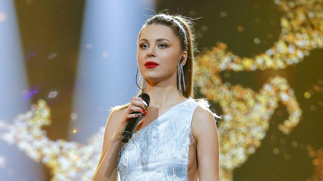 Monika Lewczuk śpiewała podczas Miss Polska 2020 utwory Dua Lipy